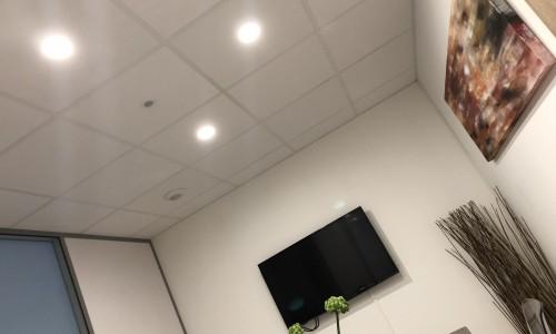 Installation spots LED bureau